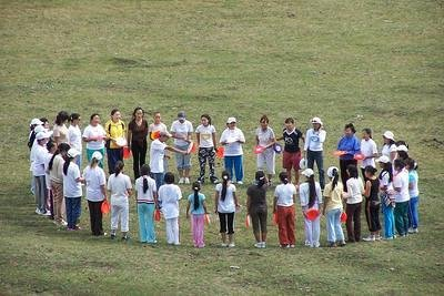 Mongolia girls hurled 76 discs to each direction