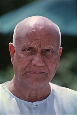Sri Chinmoy, August 2005: Selected Image, Scanned from Film