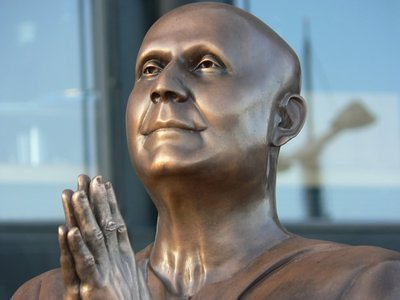 Sri Chinmoy is the first Indian to have a statue erected in Oslo honouring and recognizing his service for world peace