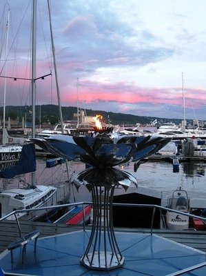The Eternal Peace-Flame in Oslo_s Harbour.JPG