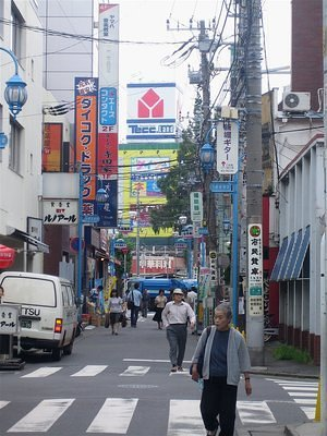 Even the backstreets have a certain order and cleanliness in Japan