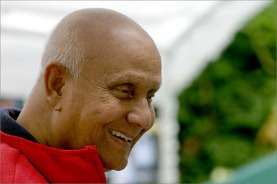 Sri Chinmoy CKG701