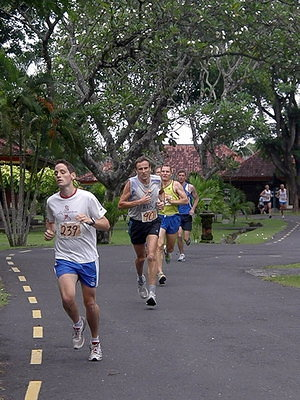 2 mile race on hotel grounds