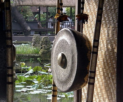 Gong outside Saraswati Temple