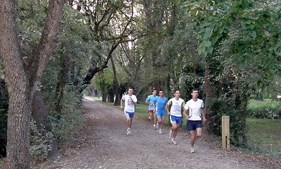 2-mile Race in Parc.JPG