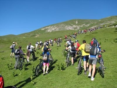 BICYCLE TOUR Shapka-Mavrovo