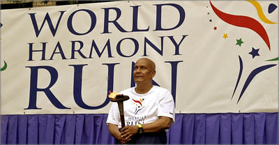 Sri Chinmoy at World Harmony Run