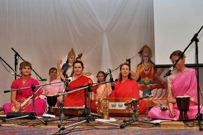 Concert of Bhajan group from Nikolaev, Ukraine. July 2009, Moscow.