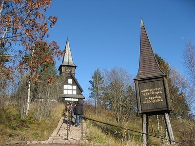 Holmenkollen old church